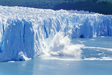 Glacier Ice Melting and Icebergs  Moreno Glacier  Patagonia  Argentina  South America