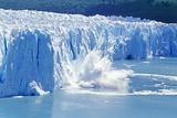 Glacier Ice Melting and Icebergs  Moreno Glacier  Patagonia  Argentina  South America