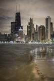 Usa, Illinois, Chicago, the Hancock Tower and Downtown Skyline from Lake Michigan Papier Photo par Gavin Hellier