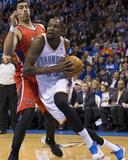 Jan 27  2014  Atlanta Hawks vs Oklahoma City Thunder - Gustavo Ayon  Kevin Durant