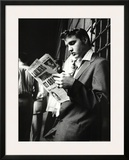Elvis Presley Reading Sunday Mirror