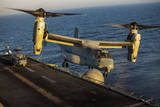 A US Marine Corps MV-22B Osprey Lands on USS Kearsarge
