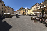 Piazza Anfiteatro  Lucca  Tuscany  Italy  Europe
