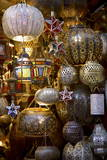 Lanterns for Sale in the Souk, Marrakesh, Morocco, North Africa, Africa Reproduction d'art par Simon Montgomery