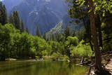 Merced River  Valley Floor  Yosemite National Park  California  USA