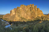 The Crooked River at sunrise  Smith Rock SP  Oregon  USA