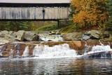 Covered bridge over Wild Ammonoosuc River  New Hampshire  USA