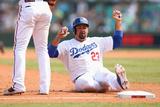 Mar 23  2014  Los Angeles Dodgers vs Arizona Diamondbacks - Adrian Gonzalez