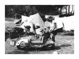 Jeune Couple en Camping  1960