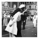 Kissing the War Goodbye in Times Square  1945  II