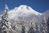 Winter Snow Adds Beauty to Mt Hood  Oregon Oregon Cascades