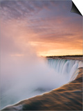 Horseshoe Falls at Sunset from Table Rock Viewpoint  Niagara Falls  Ontario