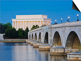 Arlington Memorial Bridge and Lincoln Memorial in Washington  DC