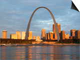 Old Courthouse and Gateway Arch  St Louis  Missouri  USA