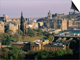 Overhead of Princes Gardens and National Gallery from Edinburgh Castle  Edinburgh  United Kingdom