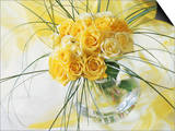 Yellow Tea Rosa in Glass Vase