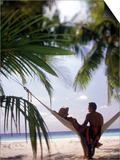 Silhouetted Couple  Felidu Atoll  Maldives