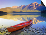 Canoe on Pyramid Lake