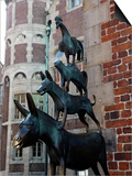 Bronze Statue of Town Musicians of Bremen  Bremen  Germany  Europe