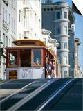 Cable Car on Hyde Street  San Francisco  California  USA