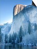 Scenic Image of El Capitan in Yosemite National Park