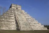 Mayan Ruins at Chichen Itza  Kukulcans Pyramid  Yucatan  Mexico