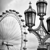 Royal Lamppost UK and London Eye - Millennium Wheel - London - England - United Kingdom - Europe