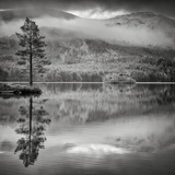 Cairngorm Reflection Papier Photo par Doug Chinnery