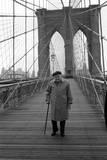 Giuseppe Ungaretti Walking on the Walkway of the Brooklyn Bridge
