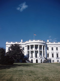 Photo Shows Exterior View of White House