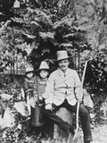 Self Portrait of August Strindberg  with His Children in the Country  1886