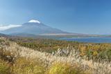 Japan  Yamanashi  Lake Yamanaka and Mt Fuji with Autumn Color