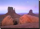 Moon over mittens  Monument Valley  Arizona