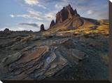 Shiprock  the basalt core of an extinct volcano  New Mexico