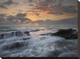 Waves breaking on rocks  Playa Santa Teresa  Costa Rica