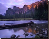 Bridalveil Fall and the Merced River  Yosemite Valley  Yosemite NP  California