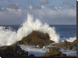 Crashing waves at Garrapata State Beach  Big Sur  California