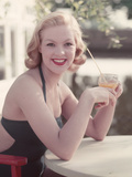 Pin-Up with Drink