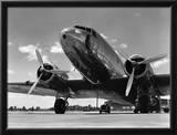 1940s Domestic Passenger Airplane Dual Propeller Landing Gear