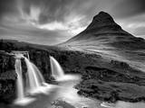 3 Waterfalls BW