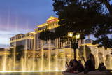 Watching the Bellagio Fountains at Dusk  the Strip  Las Vegas  Nevada  Usa