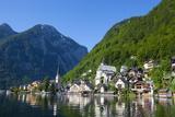 Village of Hallstatt  Hallstattersee  Oberosterreich (Upper Austria)  Austria  Europe