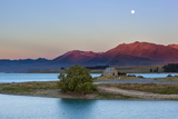 Church of the Good Shepherd at Sunset  Lake Tekapo  Canterbury Region