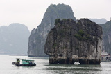 Halong Bay  UNESCO World Heritage Site  Vietnam  Indochina  Southeast Asia  Asia