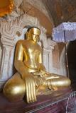Buddha Statue  Htilominlo Pahto Temple  Bagan (Pagan)  Myanmar (Burma)  Asia