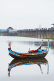Colourful Boat and U Bein Bridge on Taungthaman Lake  Amarapura  Mandalay  Myanmar (Burma)  Asia