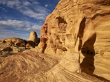 Pillar Arch in Yellow Sandstone  Valley of Fire State Park  Nevada  Usa