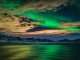 Cloudy Evening with Aurora Borealis or Northern Lights, Kleifarvatn, Iceland Papier Photo par Green Light Collection