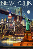 New York City, NY - Skyline at Night Reproduction d'art par Lantern Press