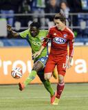 2014 MLS Playoffs: Nov 10  FC Dallas vs Seattle Sounders - Obafemi Martins  Zach Loyd